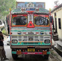 カラフルキレイ! インドのトラックコレクションが出来ました!