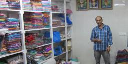 ムンバイの中心でイン インディア エブリシング ポッシブル!!!と叫んだサリー屋