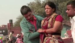 肌を切り、血を出して病気を治すインド伝統の治療法とは?