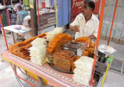 ショリショリ食感がハマる! インドの不思議菓子Dry Petha