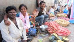 アジア最大のスラム-ムンバイ・ダラヴィーを行く