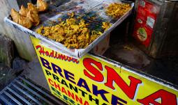 驚愕の事実! インド料理屋の大きなナンは本場インドには存在しない