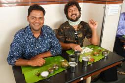 日本人の味覚と相性バッチリのインド料理! バナナの葉っぱの上で食べる絶品ミールス【ティラキタ駱駝通信 5月11日号】