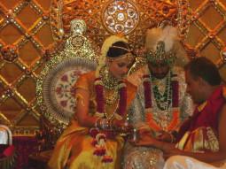 アイシュとアビシェクの結婚式