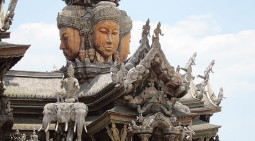 タイの「真実の聖域」に行って来ました!!