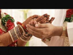少数民族の男性が同日同時刻に2人の別の女性と結婚