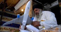 飛行機を奉納するインドのお寺…海外で働けますように!!