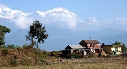 地震を超える危機!! ネパールが鎖国状態になっています