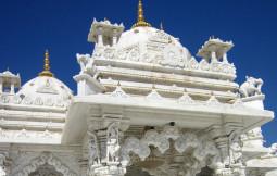 【超絶美麗】インドの辺境にある純白のお寺がこの世のものとは思えない