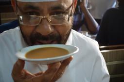 インドのチャイは普通の紅茶では作れない。チャイの作り方から飲み方までを一挙紹介!【ティラキタ駱駝通信 6月15日号】