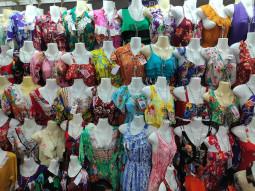 ファストファッションの拠点として知られるカンボジアの光と闇をプノンペンの市場で考えた