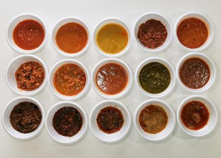 インドとアジアのレトルトカレー15種類を食べ比べてみました!