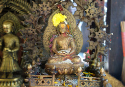 神様像はオール・ハンドメイド。知られざるネパール仏師たちの仕事